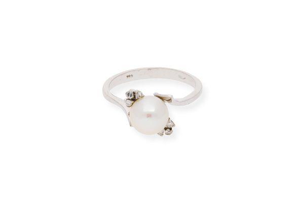 Ring 750 Weißgold mit Zuchtperle und Diamantbesatz - Gr. 54